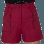 short femme rouge
