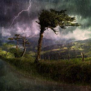 bien protéger son sac à dos de la pluie