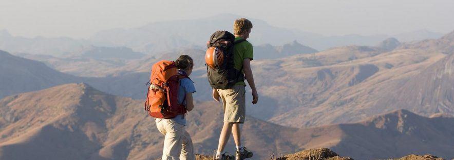 Partir en trek : avec une agence ou s'organiser seul ?