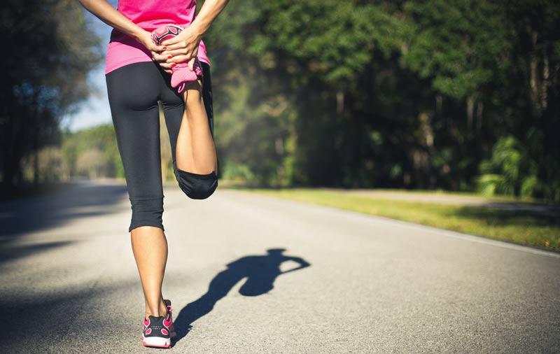 étirements pour passer de la marche à la course à pied