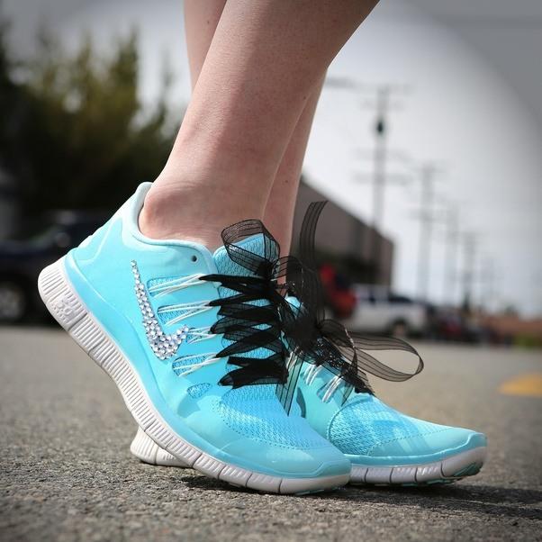 courir sans chaussettes