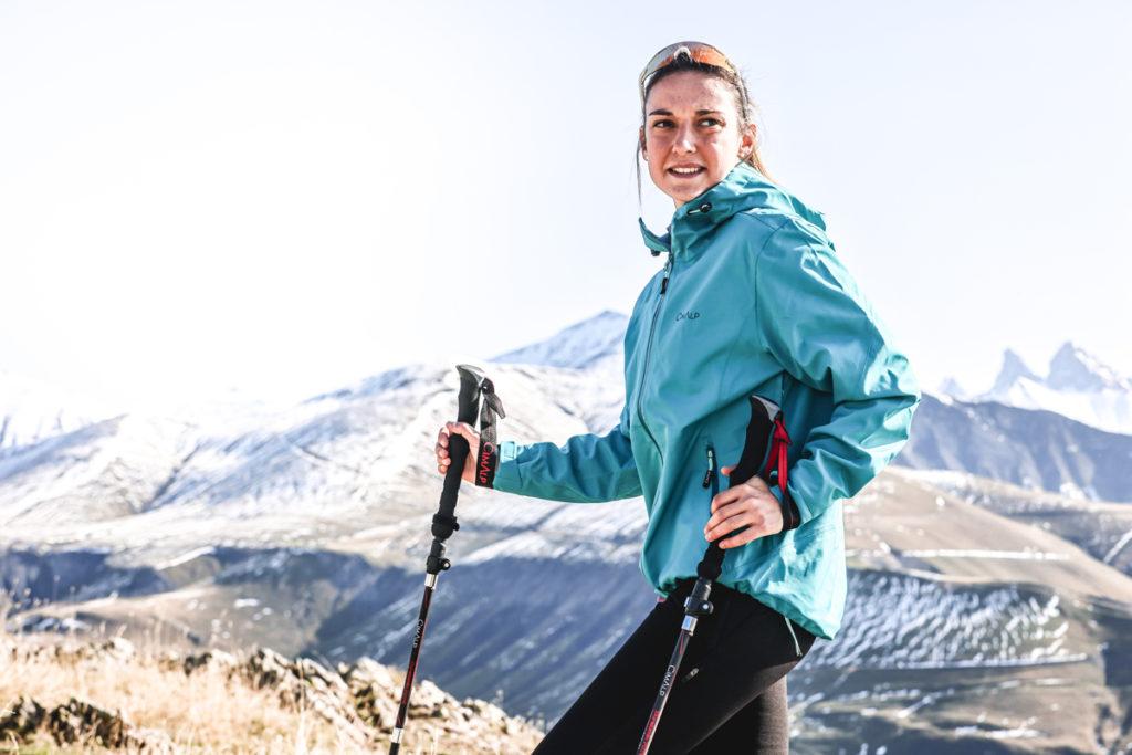 Vêtements techniques pour la randonnée : Performance 3 - Veste imperméable et respirante Hardshell
